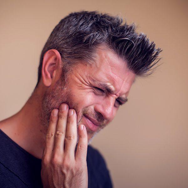 man-dental-pain-1024